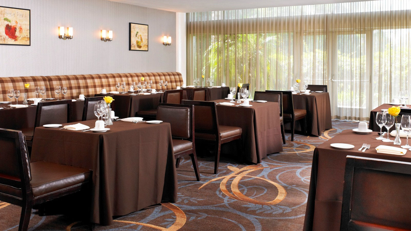 Ontario Meetings - The Orchid Restaurant Bar & Grill